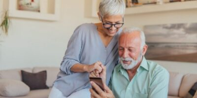 Maxim's Heart-Rate Sensor Designed Into Fujitsu Connected Technologies' New Raku Raku Smartphone F-01L for Seniors
