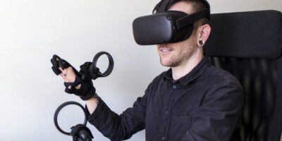 "Wireless VR/AR haptic glove allows gamers to ""feel"" digital objects"